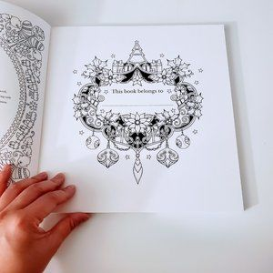 Johanna Basford Office - Johanna's Christmas: A Festive Coloring Book